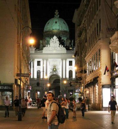 Quique Hofburg