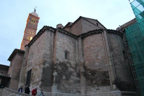 Abside románico y torre mudéjar, iglesia la Magdalena. Tarazona