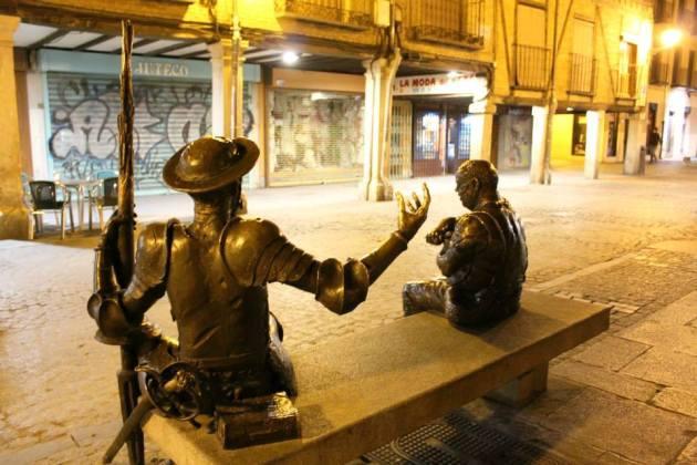 Calle_Mayor_de_Alcala_Escultura_a_Quijote_y_Sancho