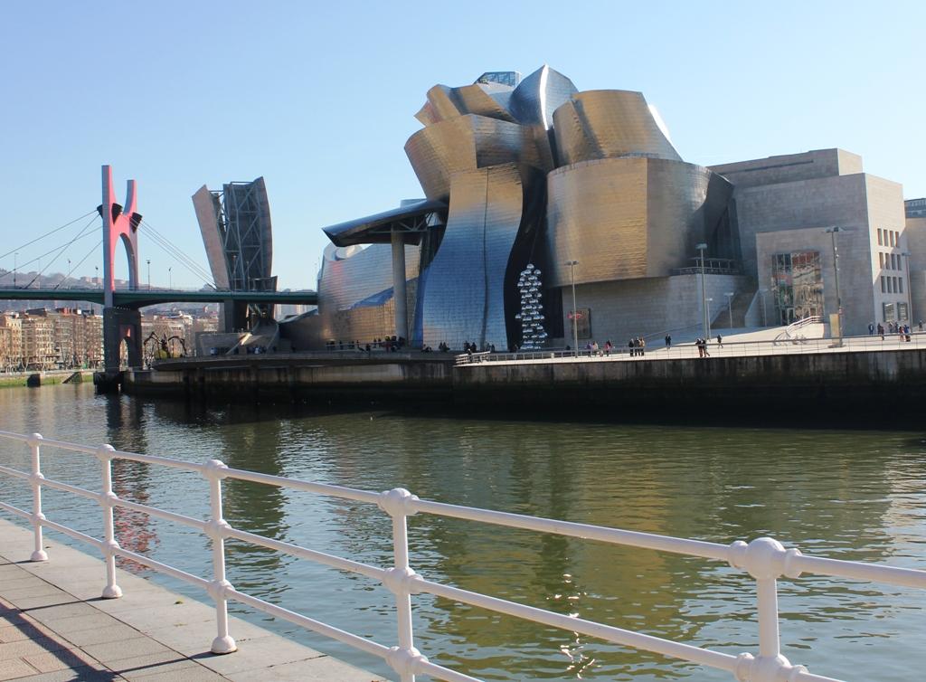 Guggenheim y la Ría de Bilbao
