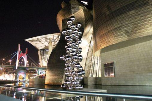 Museo Guggenheim de noche
