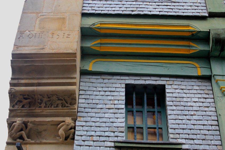 Detalle fachada en Vitre