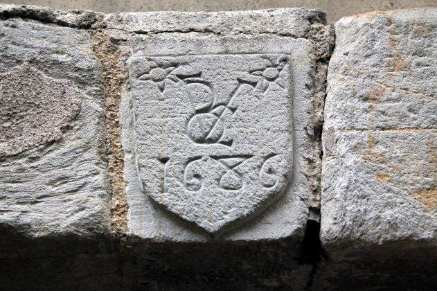 emblema fachada Vitre