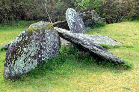 dolmen caido