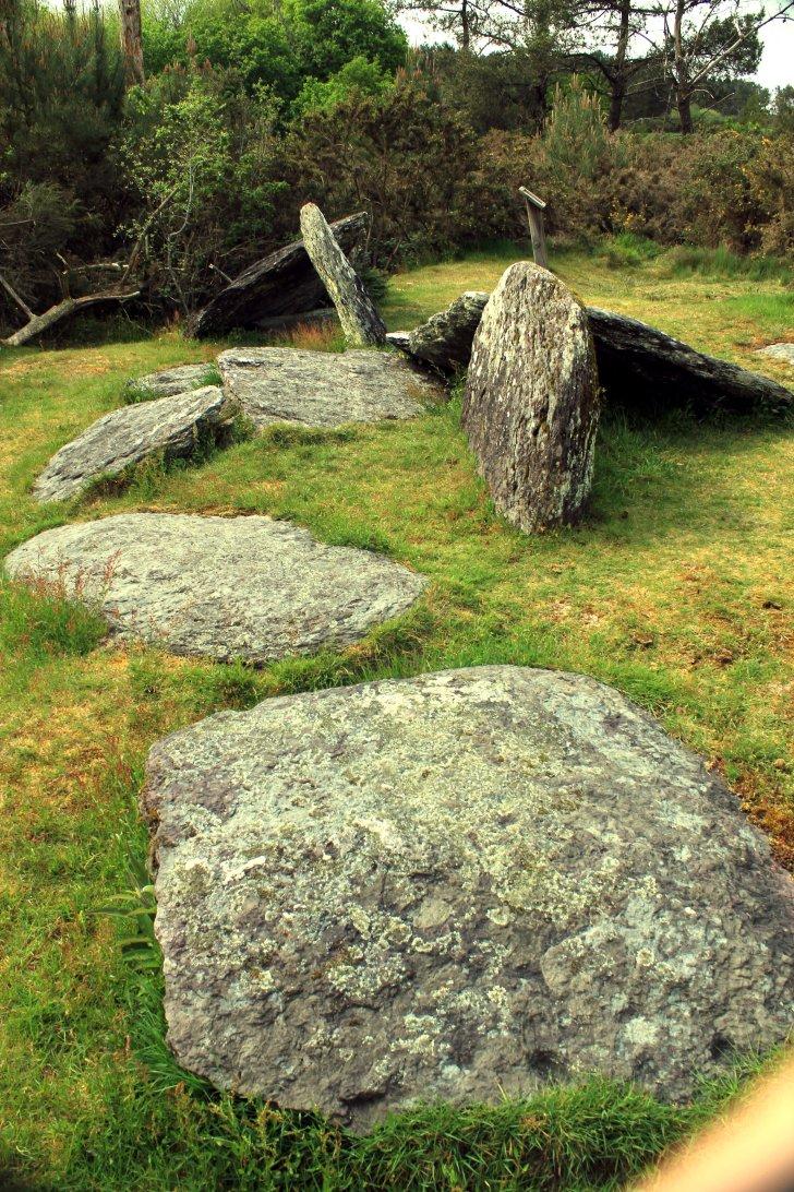 dolmen en galería tumbado