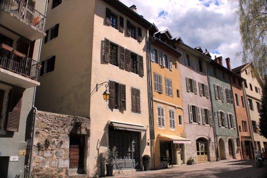 fachadas calle paralela