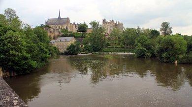 castillo desde el rio