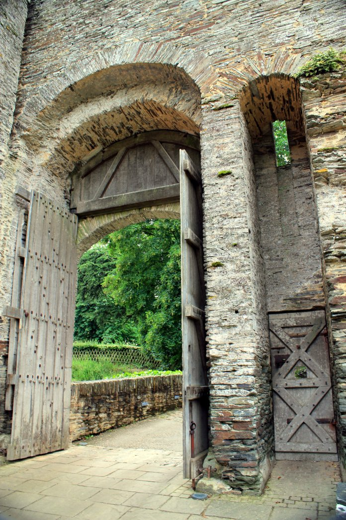 entrada Plessis Mace