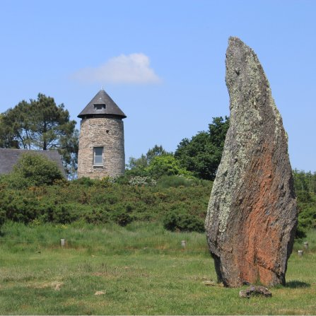 Saint Just menhir y molino