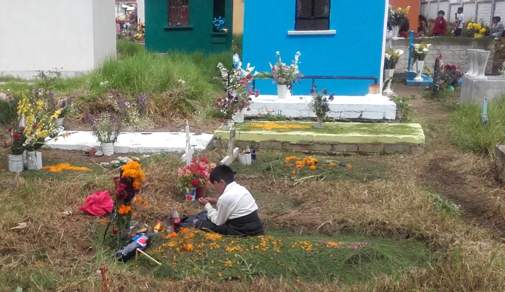 nino-en-el-cementerio